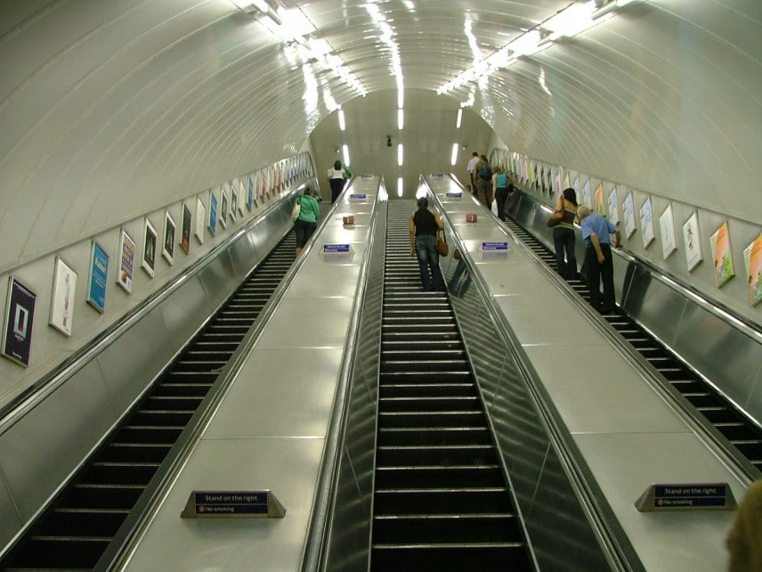 London_Underground_Escalator - Wikipedia